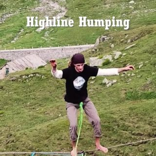 Highline-Humping :-) It can be so much fun if done on purpose! If you wonder why it happens, we have put together an explanational video on the Slacktivity Youtube channel. Humpers: @arne_lauwers & @samuelvolery  Filmed by @budi_online  Slackline: 400m pinkTube up at the Gotthardpass in Switzerland #humping #funtimes #balance #slacklife #slackline #highline #swing #moveyourass #dancing #twerking