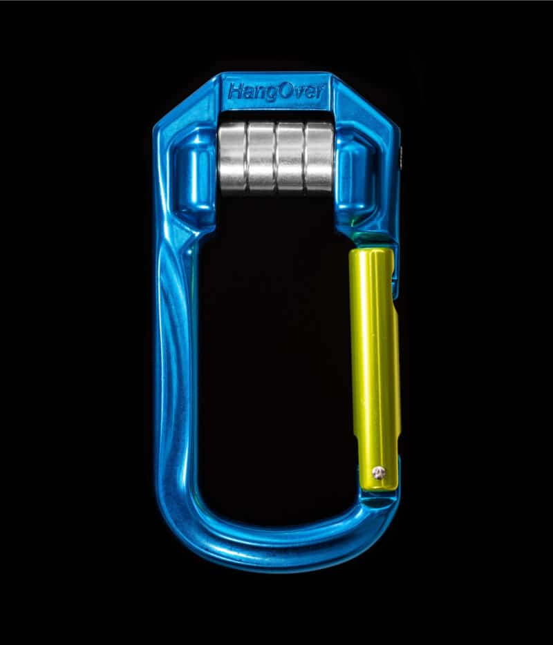 Highline and pulley carabiner for tensioning slacklines