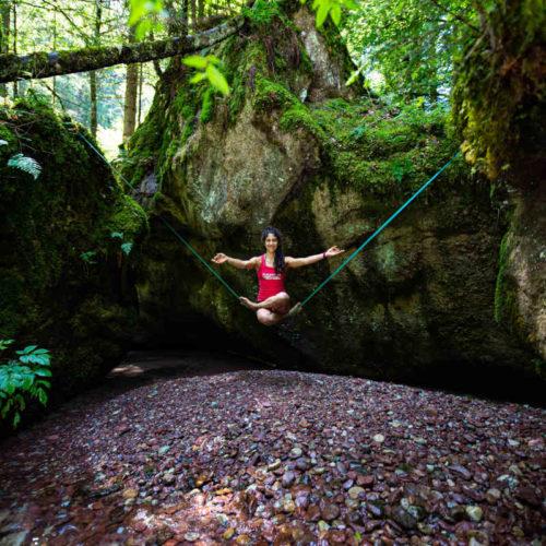 Slackline yoga asana